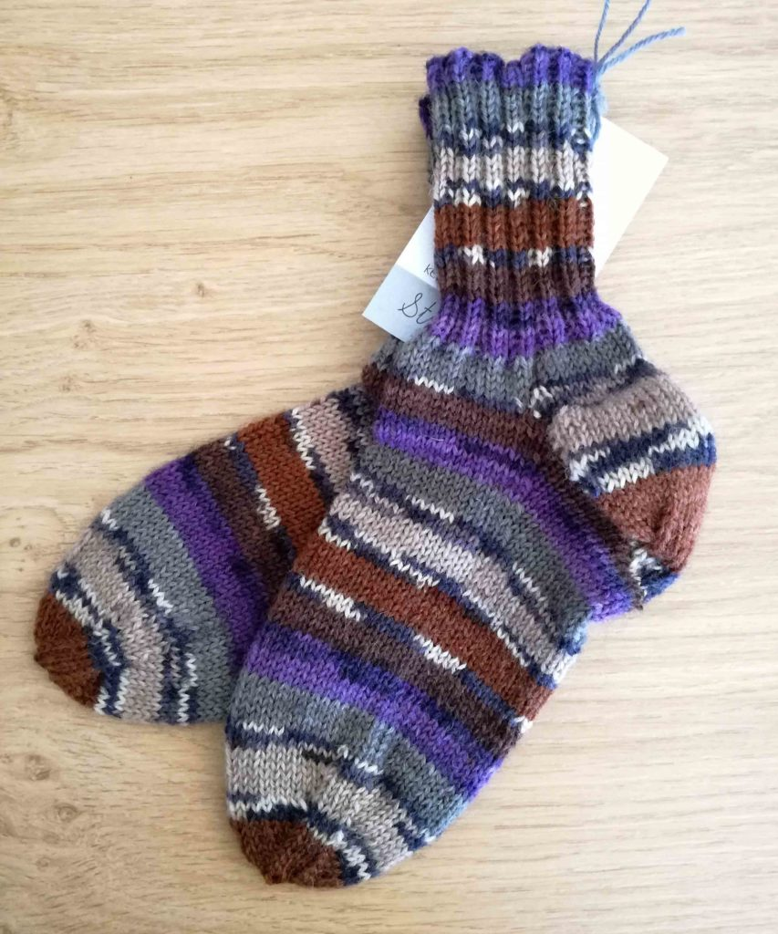 Socken Grösse 28 € 20,-- 75% Öko Schurwolle 25% Polyamid