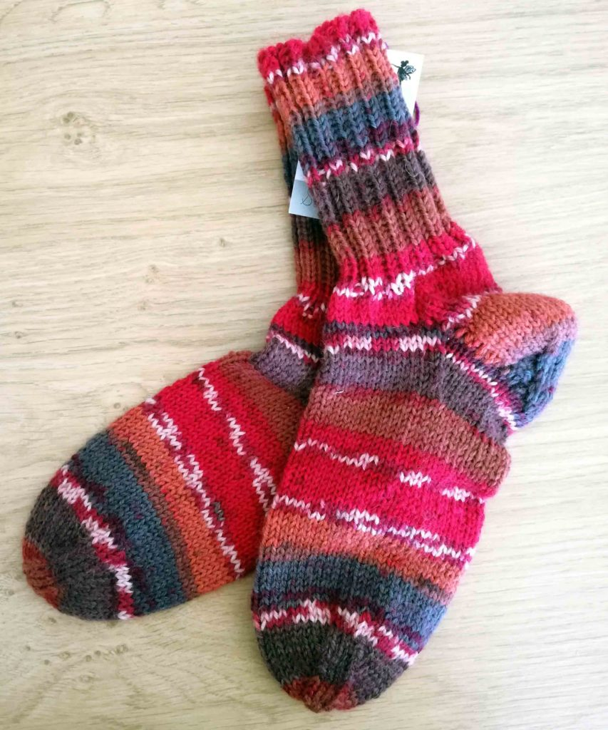 Socken Grösse 37/38 . 6fach € 32,-- . 8h Handarbeit 75% Öko Schurwolle 25% Polyamid