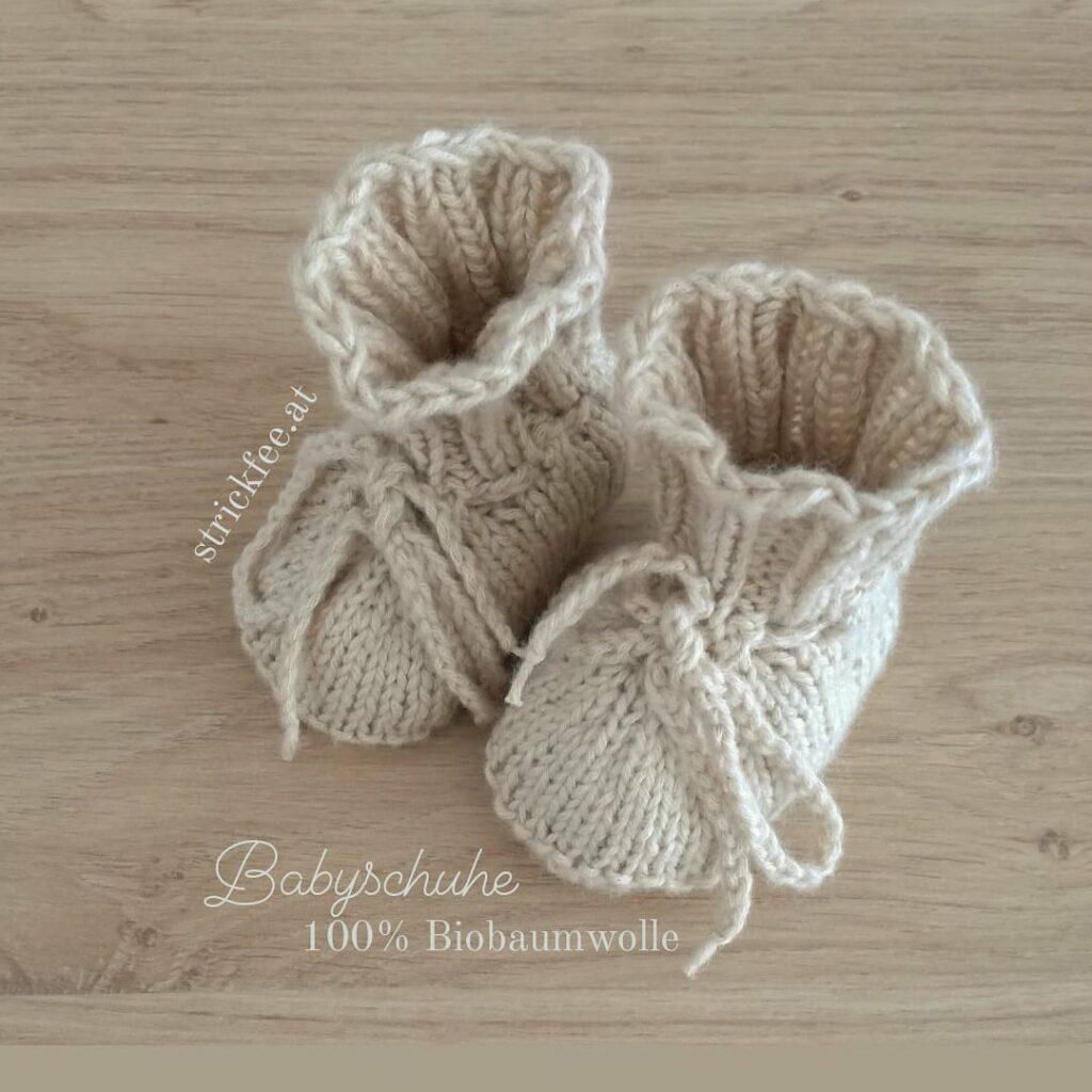 handgestrickte Babyschuhe biobaumwolle sand