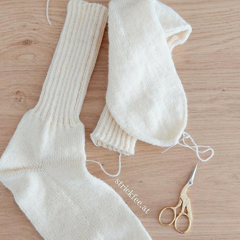Öko Sockenwolle mit Aloe Vera und Jojobaöl . 4fach Größe 47 . 21h Handarbeit